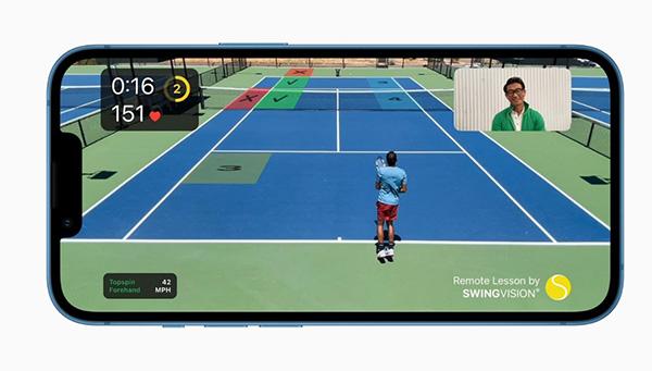 iPhone 13 Pro đi kèm màn hình 6,1 inch, độ phân giải 1170 x 2532 pixel và sử dụng tấm nền OLED giống iPhone 12 Pro.
